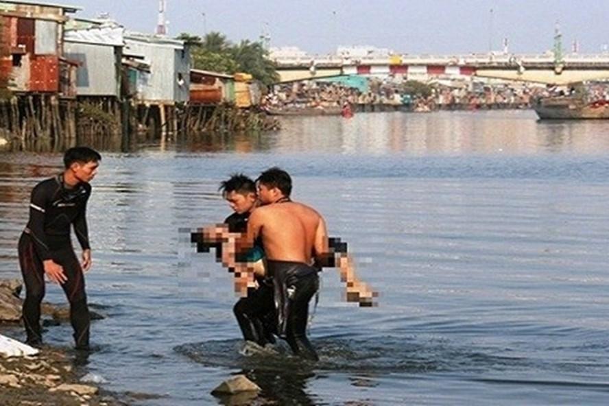 Nam sinh Đại học Xây Dựng đuối nước khi đi tình nguyện