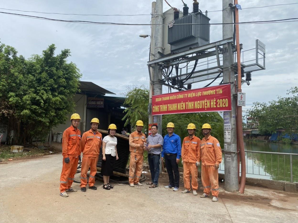 Điện lực Thường Tín san tải, chống quá tải cho TBA làng nghề