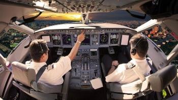 Rà soát, cấm bay với phi công người nước ngoài dùng bằng lái giả