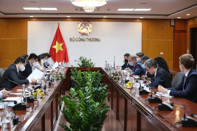 Hướng tiếp cận năng lượng tái tạo cho các doanh nghiệp sản xuất ở Việt Nam
