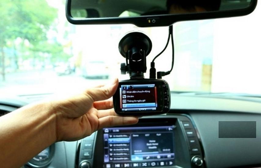 """Lắp camera giám sát hành trình: Làm thế nào để """"vẹn cả ba đường""""?"""