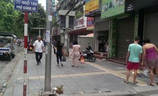 Người lái xe ôm đột quỵ trên phố