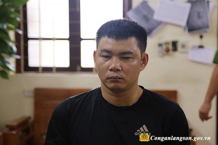 lang son doi tuong van chuyen 4 banh heroin tren xe khach