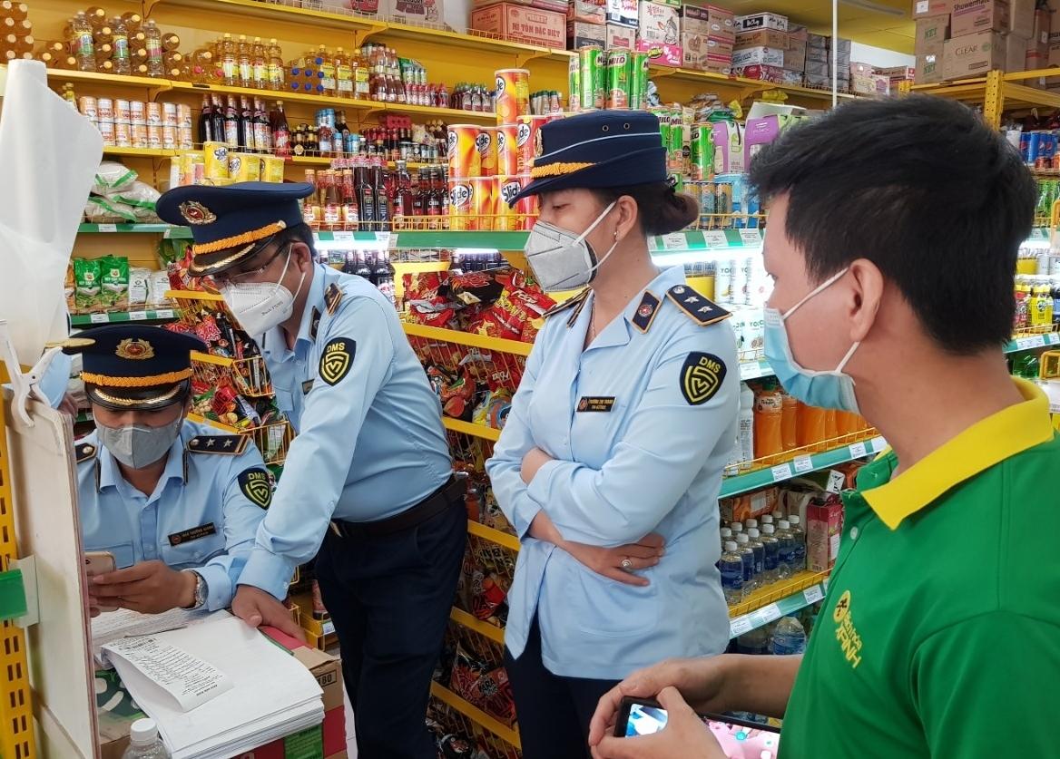 Bán hàng cao hơn giá niêm yết, một cửa hàng Bách Hóa Xanh bị xử phạt