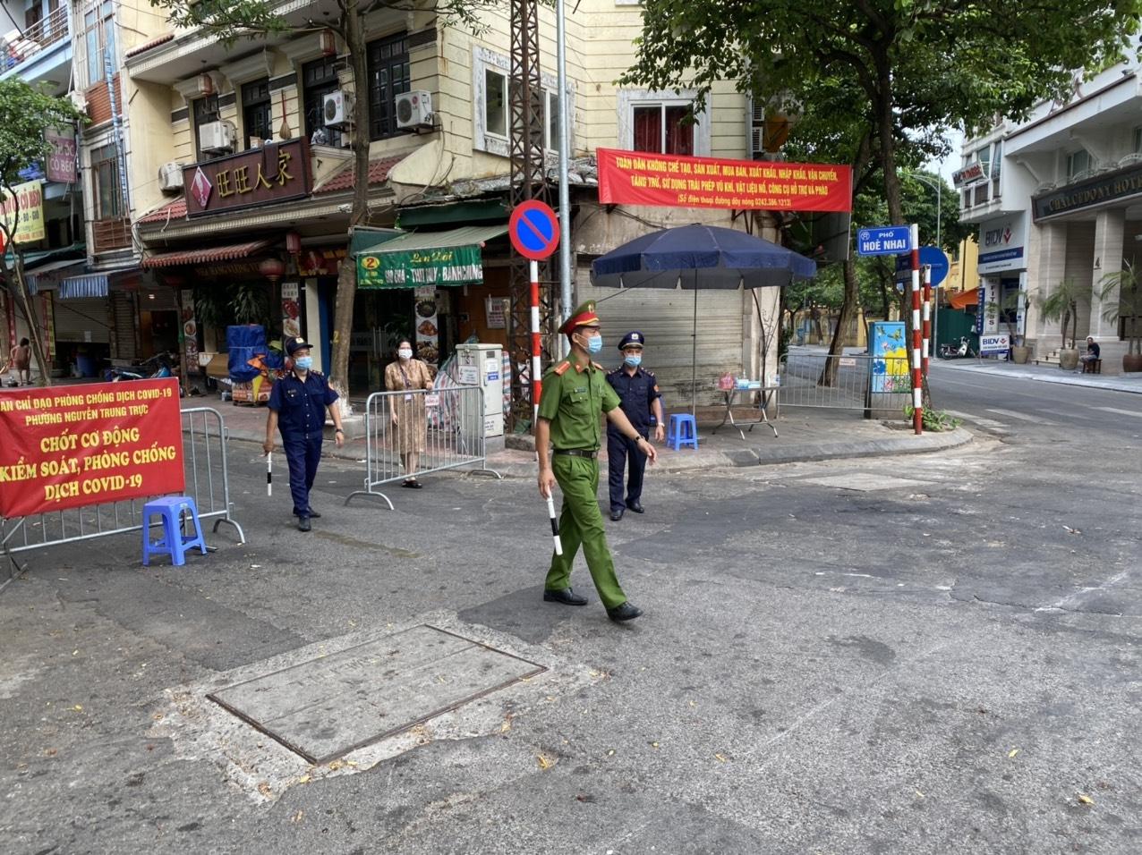 Hà Nội: Quận Ba Đình lập thêm 10 chốt kiểm soát dịch COVID-19