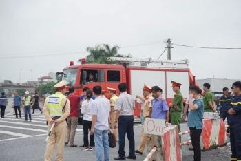 Dựng lại hiện trường vụ xe khách tông xe cứu hỏa trên cao tốc Pháp Vân - Cầu Giẽ
