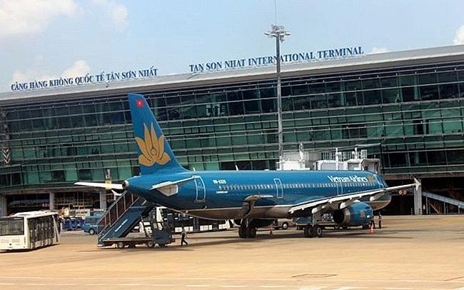 nu hanh khach lon tieng xuc pham nhan vien vietnam airlines
