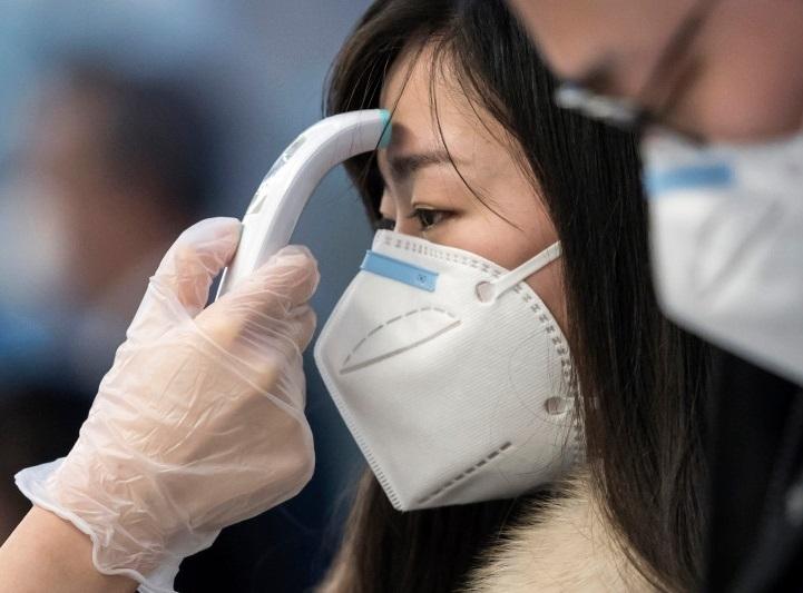 Hà Nội tiếp tục kêu gọi người dân bị ho, sốt... khai báo y tế để được xét nghiệm