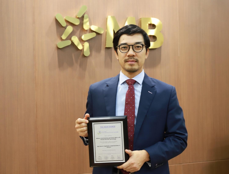 Số hoá điểm giao dịch tốt nhất Việt Nam, MB được The Asian Banker vinh danh