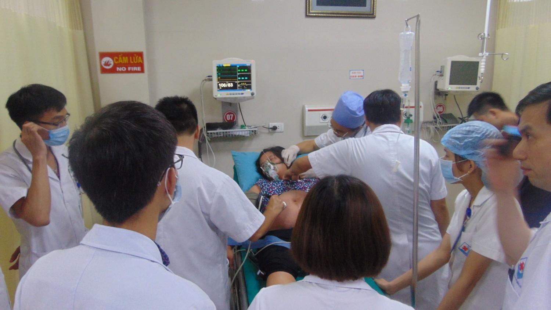 Phú Thọ: Cứu sống thai phụ 36 tuần bị ong đốt đến nguy kịch