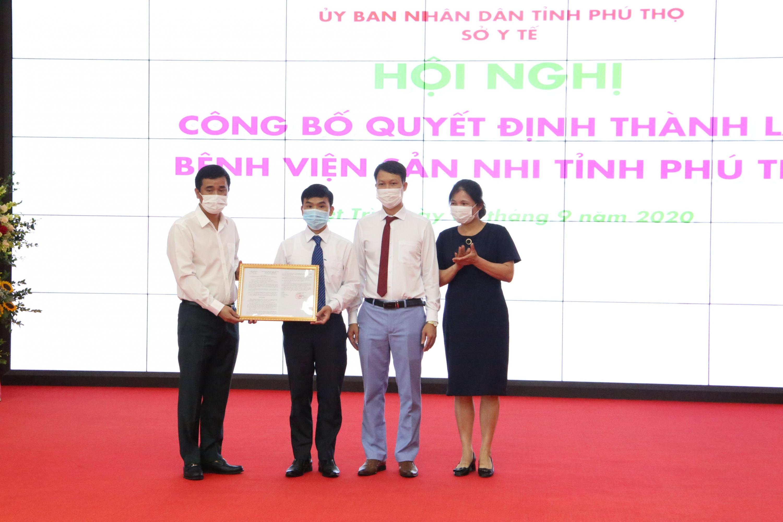 Công bố quyết định thành lập Bệnh viện Sản Nhi Phú Thọ