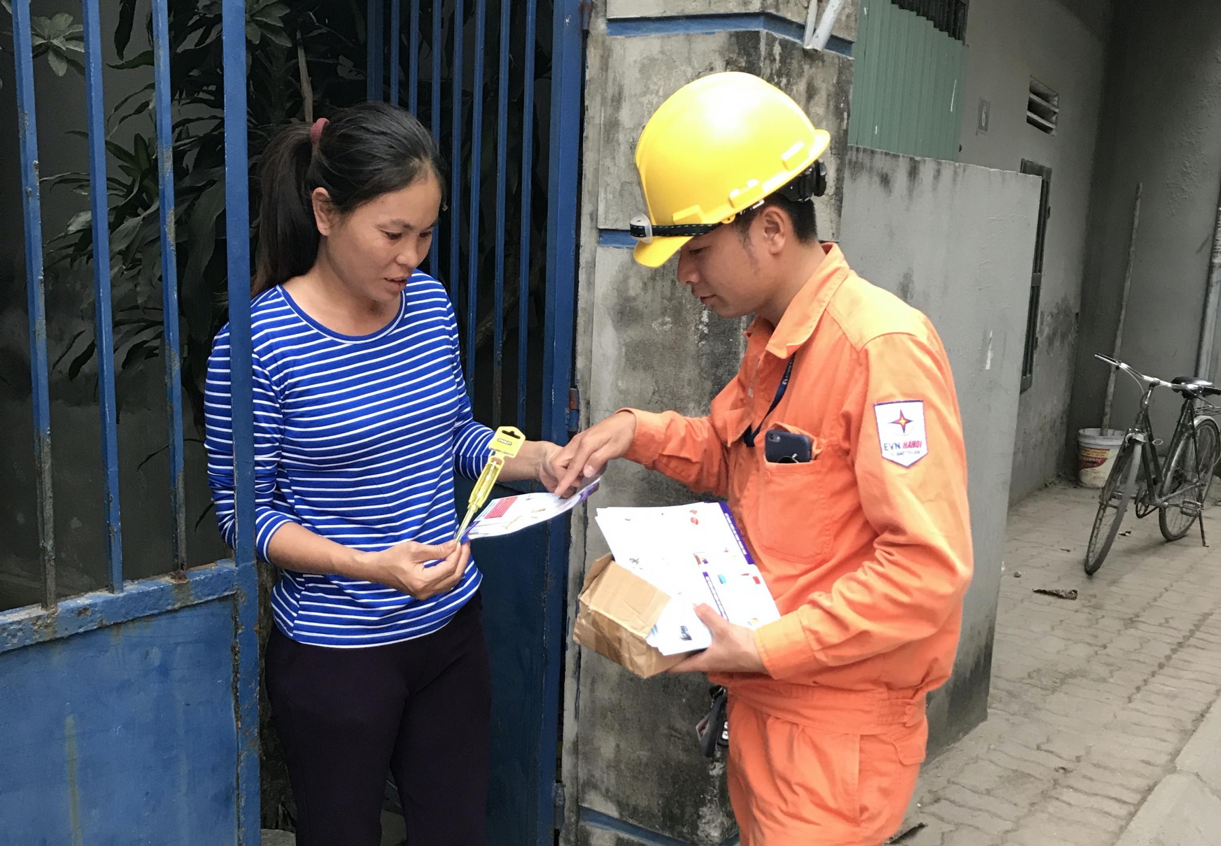 Hà Nội: Hầu hết tòa nhà tại quận Bắc Từ Liêm đã lắp đèn LED tiết kiệm điện