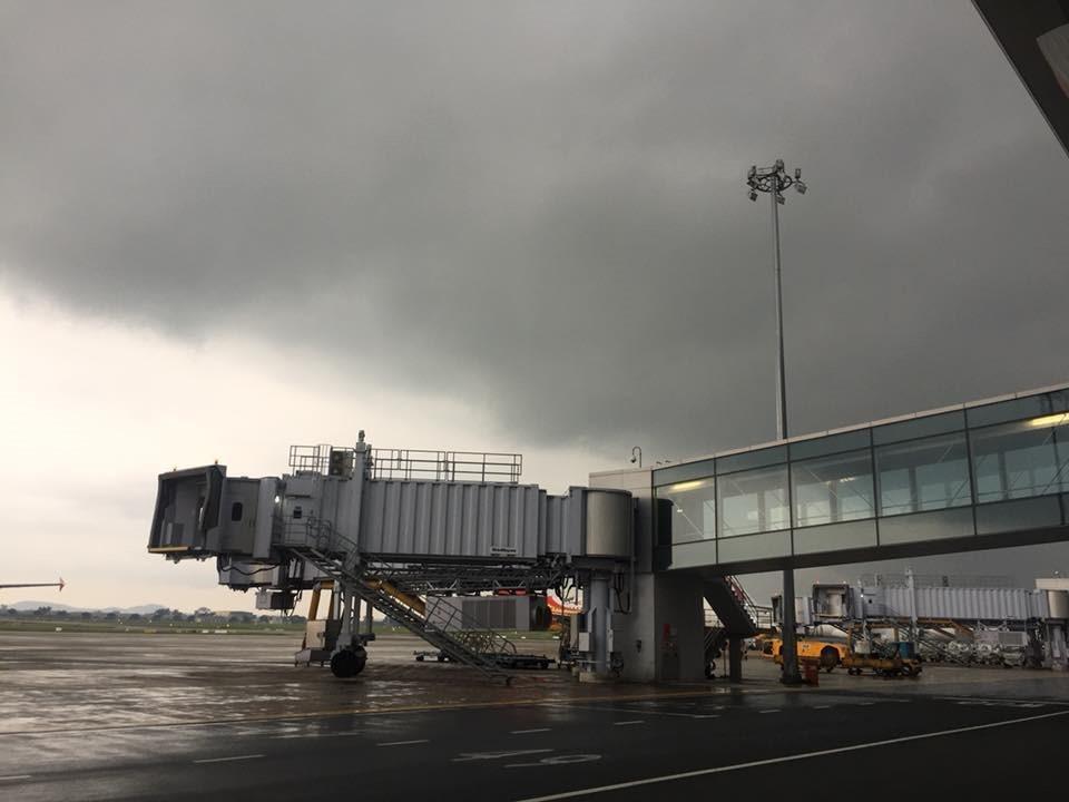 Nhân viên sân bay Nội Bài bị sét đánh tử vong khi đang làm việc