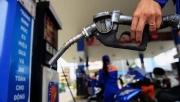 Điều chỉnh giá xăng dầu 3 lần một tháng: Việt Nam đang đi ngược quy trình!