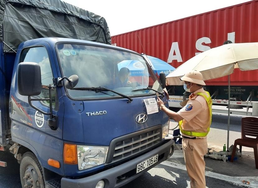 Chuẩn bị kịch bản khôi phục hoạt động vận tải sau giãn cách tại các địa phương