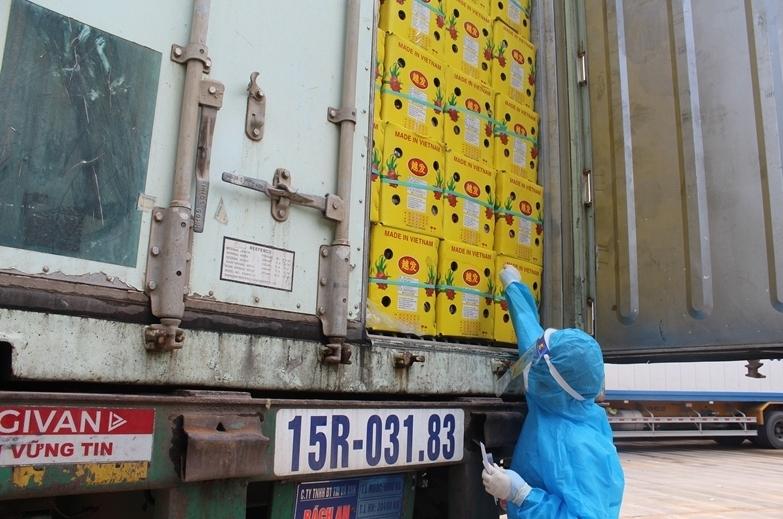 Quảng Ninh: Xét nghiệm virus SARS-CoV-2 đối với phương tiện, hàng hóa xuất nhập khẩu