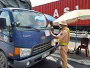 Kiểm soát lái xe và người đi cùng qua mã QR Code của Bộ Công an