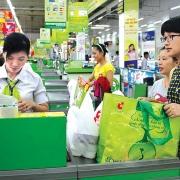 Hầu hết siêu thị, trung tâm thương mại ở Hà Nội không sử dụng túi nilon khó phân hủy