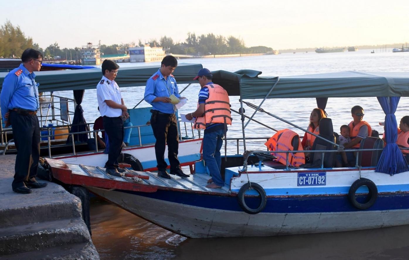 Vận tải hành khách đường thủy nội địa hoạt động như thế nào từ 1/10?