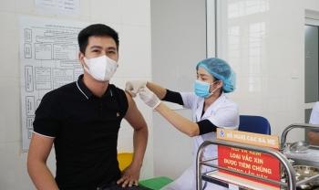 [Ảnh] Tiêm vắc xin Covid-19 tại phường Tây Mỗ, Hà Nội