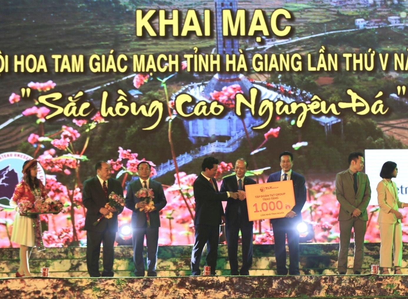 tap doan tt group trao tang tinh ha giang 1000 can nha tinh nghia