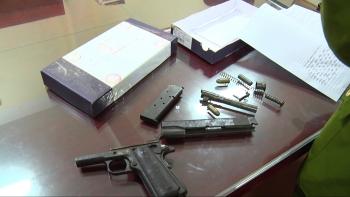 Lạng Sơn: Bắt nhiều đối tượng, thu giữ 2 bánh heroin và súng quân dụng