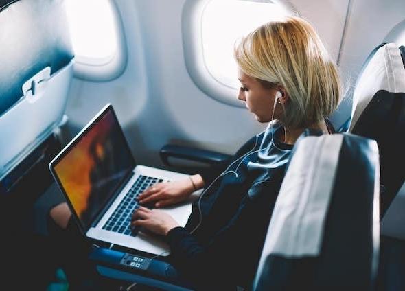 Cục Hàng không Việt Nam: Tiếp tục cấm vận chuyển pin Lithium và thiết bị sử dụng pin Lithium