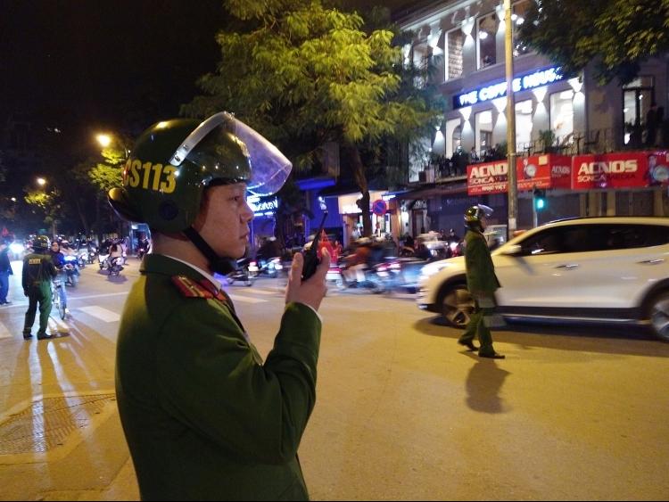 """Hà Nội: Dẹp bãi xe """"chặt chém"""", chống đua xe đêm Noel"""