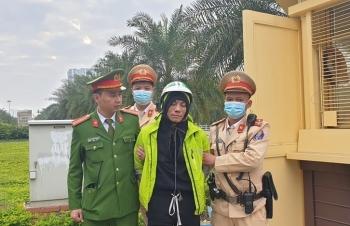 CSGT Hà Nội khống chế tên cướp điện thoại giữa ban ngày