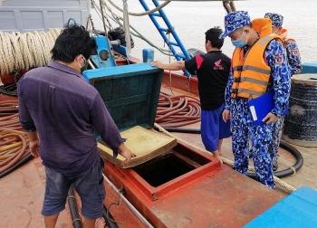 Cảnh sát biển bắt nhiều vụ vận chuyển trái phép dầu DO số lượng lớn