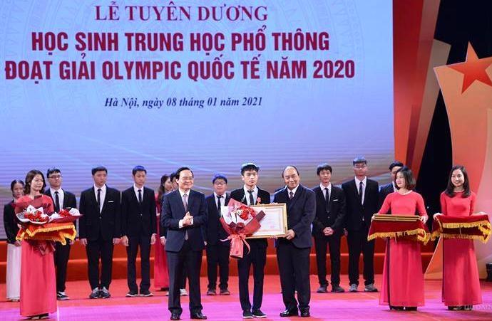 Tuyên dương học sinh THPT đoạt giải Olympic quốc tế năm 2020