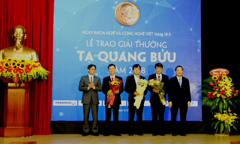 8 nha khoa hoc duoc de cu giai thuong ta quang buu nam 2019