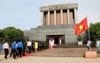 Mùng 1 Tết, Lăng Chủ tịch Hồ Chí Minh mở cửa đón nhân dân vào viếng