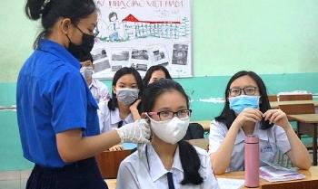 Nhiều tỉnh, thành cho học sinh tạm dừng đến trường
