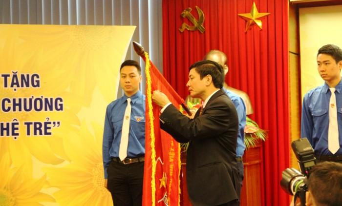 doan thanh nien pvn don nhan huan chuong lao dong hang nhi