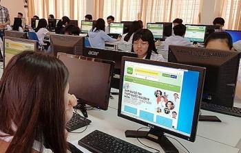 Hà Nội: Ôn tập trực tuyến cho học sinh lớp 11 và 12