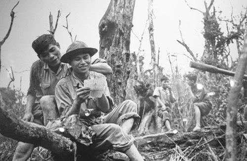 """Chiến tranh Việt Nam nhìn từ """"Phóng viên chiến trường"""""""