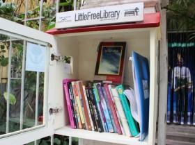 Tủ sách không khóa ở Thủ đô