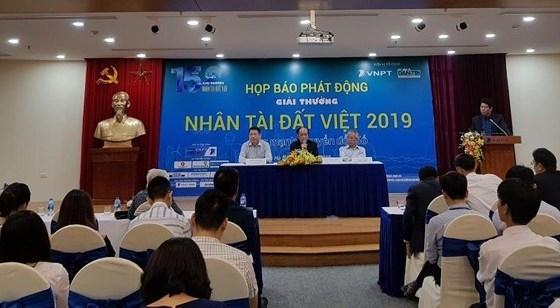 giai thuong nhan tai dat viet 2019 phat trien suc manh chuyen doi so