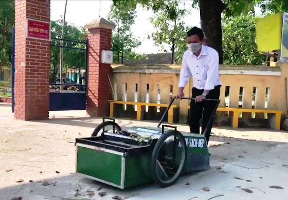 Xe quét và thu gom rác của thầy giáo xứ Huế