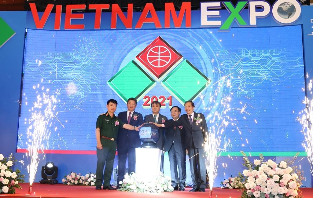 Hơn 300 doanh nghiệp trưng bày sản phẩm tại Vietnam Expo 2021