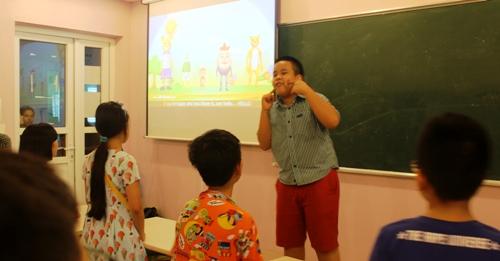 'Thần đồng' Đỗ Nhật Nam mở lớp dạy tiếng Anh miễn phí