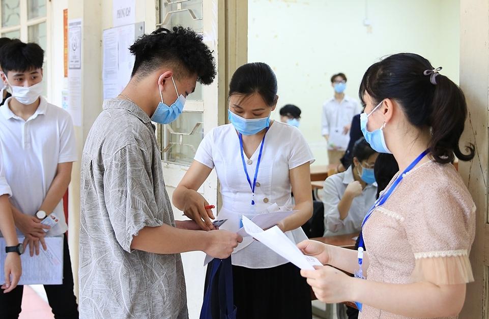 Bộ GD&ĐT điều chỉnh lịch tuyển sinh đại học 2021 vì dịch Covid-19