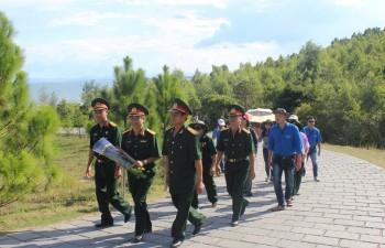Hội CCB Công ty Mẹ Tập đoàn viếng mộ Đại tướng Võ Nguyên Giáp