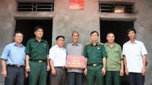 Bàn giao nhà 'Nghĩa tình đồng đội' tại Hà Nam