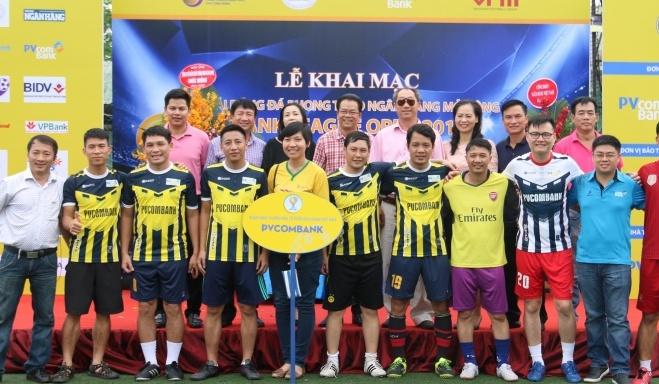 pvcombank khai mac giai bong da bank league open 2017