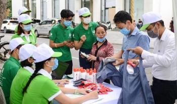 Hà Nội thực hiện chương trình đổi rác lấy quà