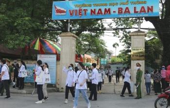 Hà Nội trả Giấy chứng nhận tốt nghiệp THPT qua đường bưu điện