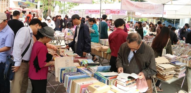 Trưng bày tư liệu quý về Hà Nội tại Hội chợ sách cũ tháng 9