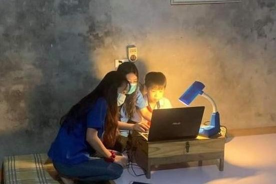 """Hà Nội: 195 đội hình """"IT áo xanh"""" hỗ trợ học sinh đầu năm học mới"""